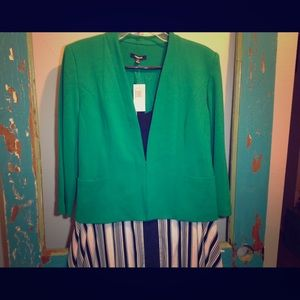 🍀 Gorgeous Kelly Green Jacket from Premise 🍀